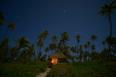 Bungalow crusoe lifestyle in Fakarava under the stars