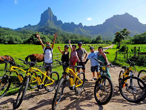 Exploration of the inner island of Moorea with the ebikes