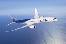 LAN Dreamliner 787 - 9 (24)