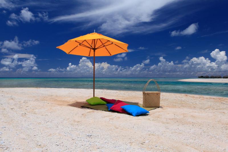 Tikehau Pearl Beach Resort - Pink sand beach