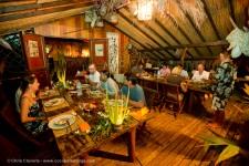 La convivialité au Cocoperle Lodge à Ahe